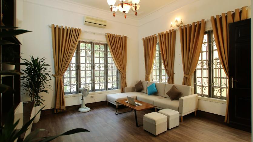 03 bedrooms house Tay Ho back yard