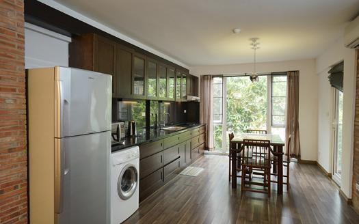 1-bedroom-apartment-tay-ho-rent-dang-thai-mai-street (3)