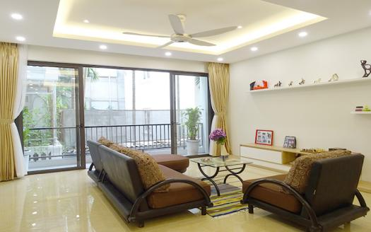 Exquisite three-bedroom apartment Tay Ho, Xom Chua for rent