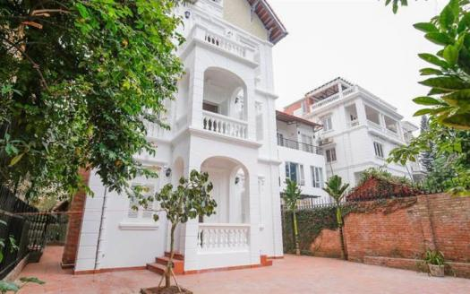 French Style Villa Tay Ho with 4 bedrooms for lease