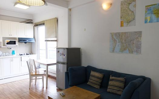 Nicely fully furnished apartment Doi Can, Ba Dinh available now
