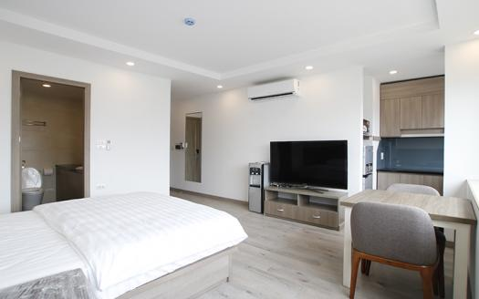 brand-new one-bed studio apartment Cau Giay for rent