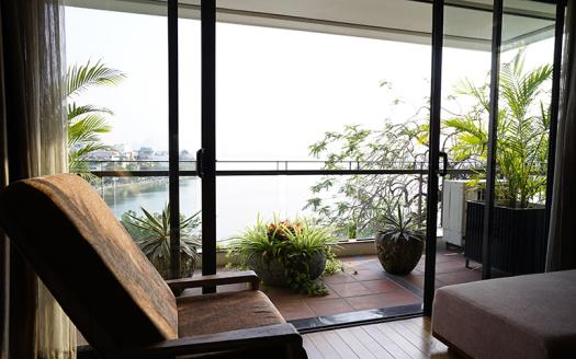 high quality four-bedroom apartment for rent in Xuan Dieu, Tay Ho