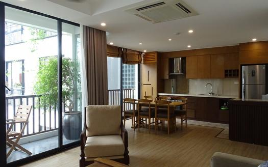 high-quality three-bedroom apartment in Tay Ho, Xuan Dieu