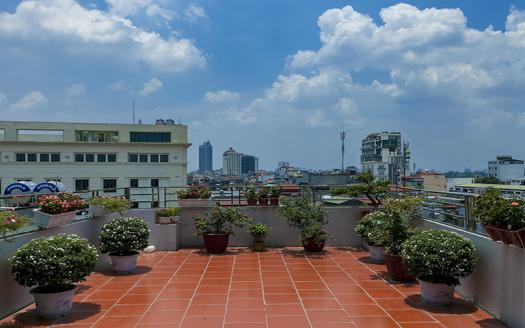 two bedroom apartment for rent of reasonable price in Westlake Hanoi