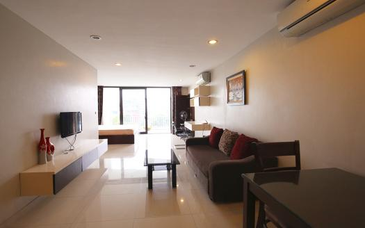 Lake-view one-bed studio Ba Dinh, Truc Bach with large balcony