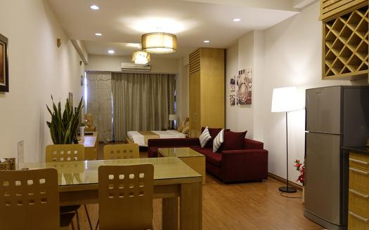 Studio serviced apartment Dong Da, lake view bright and airy.