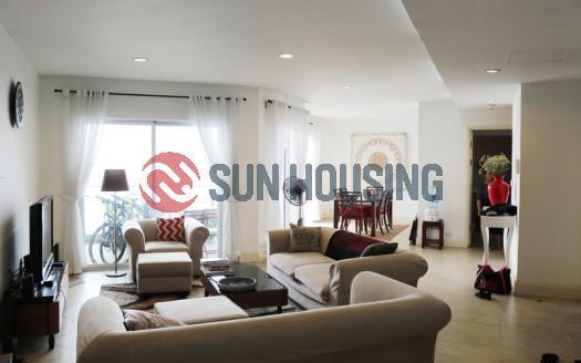 Gorgeous three-bedroom apartment in Golden Westlake urban area