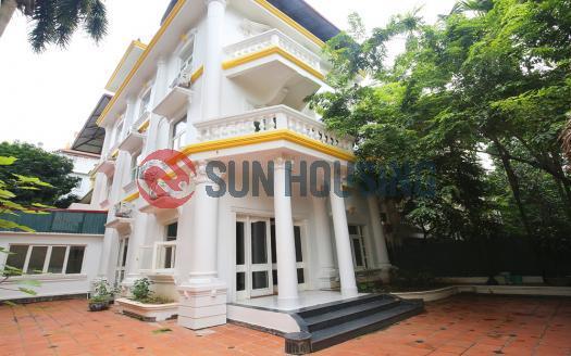 Villa Westlake Hanoi, six bedrooms, large front yard.