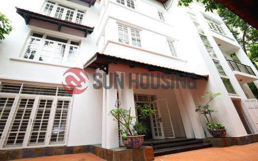 Villa Westlake Hanoi, four bedrooms with large garden.