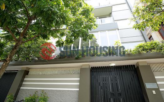 Lavish big garden villa for rent in Vuon Dao, Tay Ho 4 bedrooms