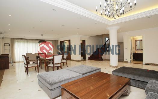 big villa for lease in Vuon Dao, Tay Ho, Hanoi with 5 bedrooms, garden, balcony
