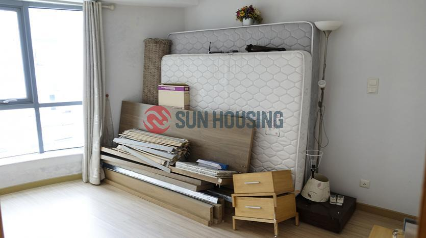 Unfurnished three-bedroom apartment Dong Da in SKYCITY