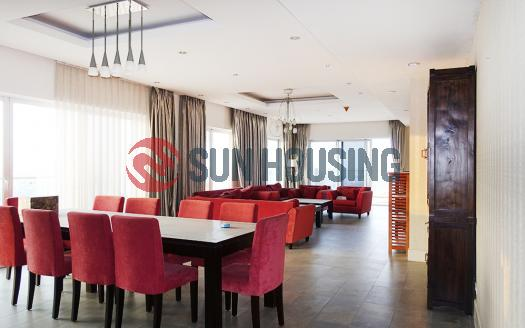 Lake-viewing apartment Golden Westlake with 4 bedrooms