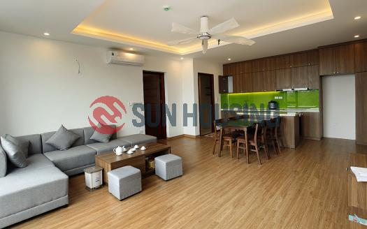 2 bedroom apartment in Tay Ho for rent, bright and spacious