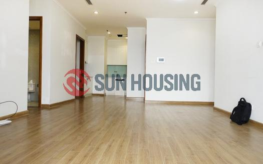 Unfurnished 3 bedroom apartment in Royal City R6