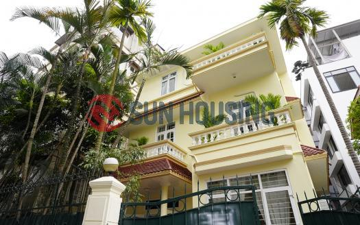 House Westlake 150m from Westlake with car access