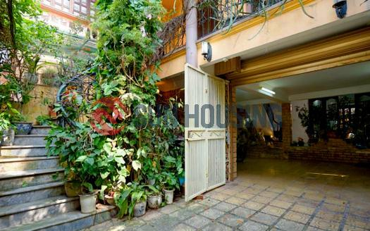 House Westlake Hanoi for rent with 4br in To Ngoc Van