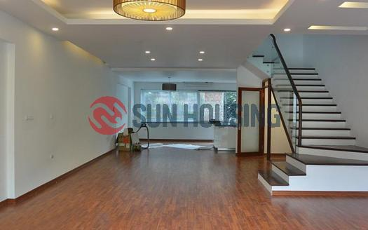 Newly 5 bedroom house in Tay Ho for rent   Partly-furnished
