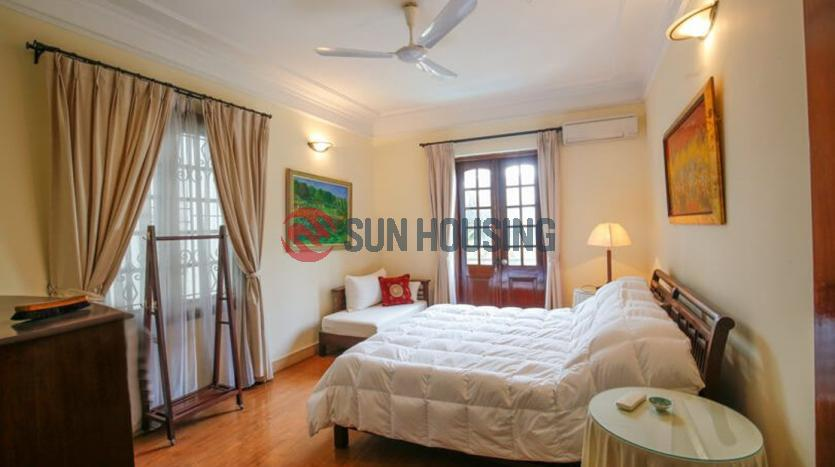 Garden 6 bedroom Tay Ho Villa for rent with big swimming pool