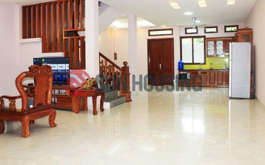 House for rent 4 bedrooms on Dang Thai Mai Street, Tay Ho, Ha Noi.