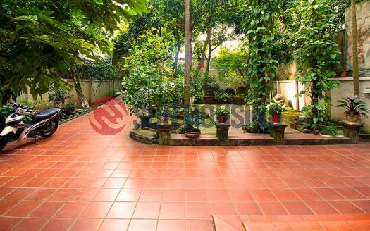 Large garden house for rent in Tay Ho Hanoi, 4 bedrooms