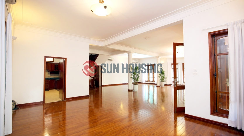 A Must-see Ambassador Villa for rent in Tay Ho road   Swimming pool & Garden