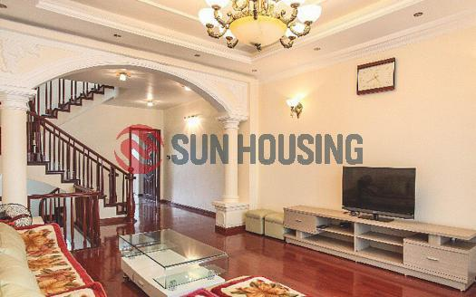 4 bedroom Tay Ho House for rent in Dang Thai Mai Street