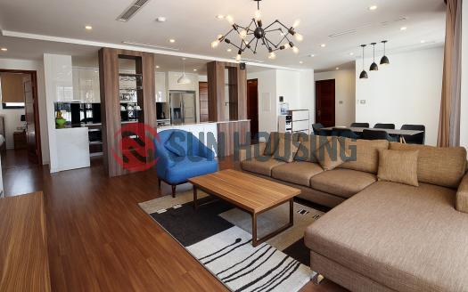 4 bedroom 4 bathroom apartment for rent in Tay Ho Center