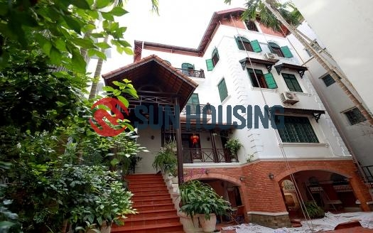 For rent Tay Ho center 4 bedroom Villa | 320 sqm land; Unfurnished