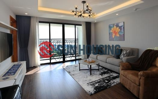 Spacious 2 bedroom furnished apartment in this Exceptional Quang An Location:
