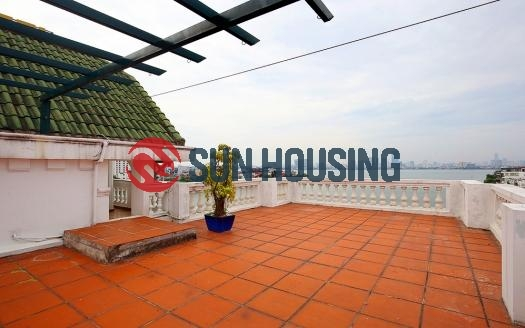 Hanoi in style with this modern Quang An apartment.