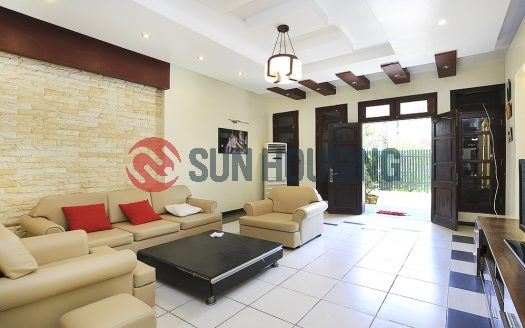 5 bedroom Villa Ciputra Hanoi for rent | Good price and condition