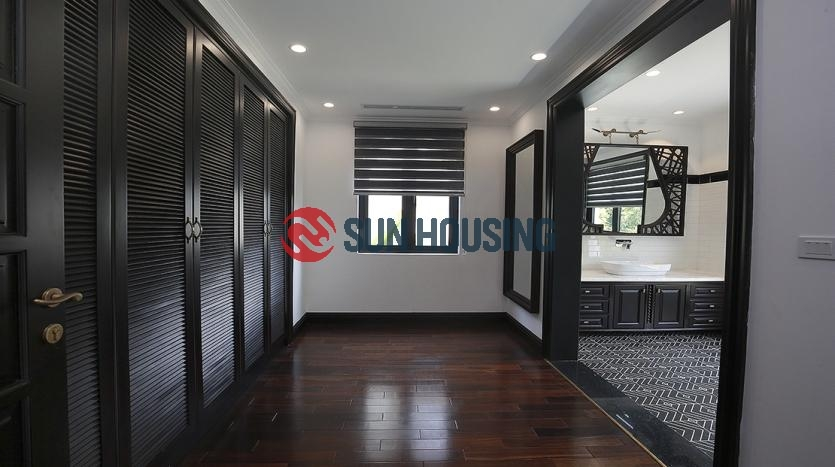 Immaculate Vinhomes Riverside Villa For Rent. 180m2. $6,500/month.