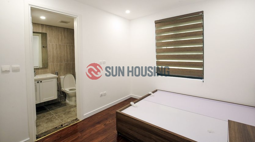 Hanoi apartment. Mirrored wall, large kitchen, 3 complete bathrooms.