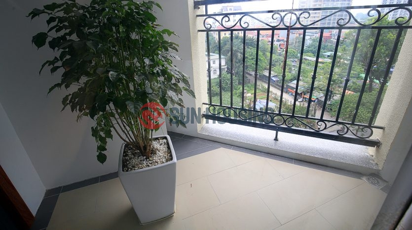 Deluxe three bedroom apartment in D Le Roi Soleil for rent.