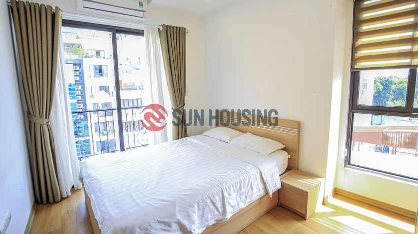 Convenient Hanoi apartment for a good price. Complete kitchen.