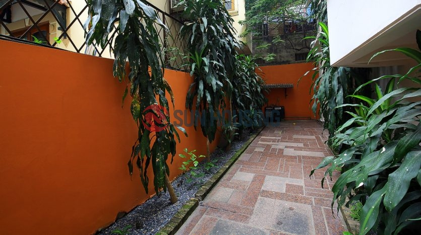 Beautiful garden with swimming pool: 4 bedroom French Villa in Tay Ho.