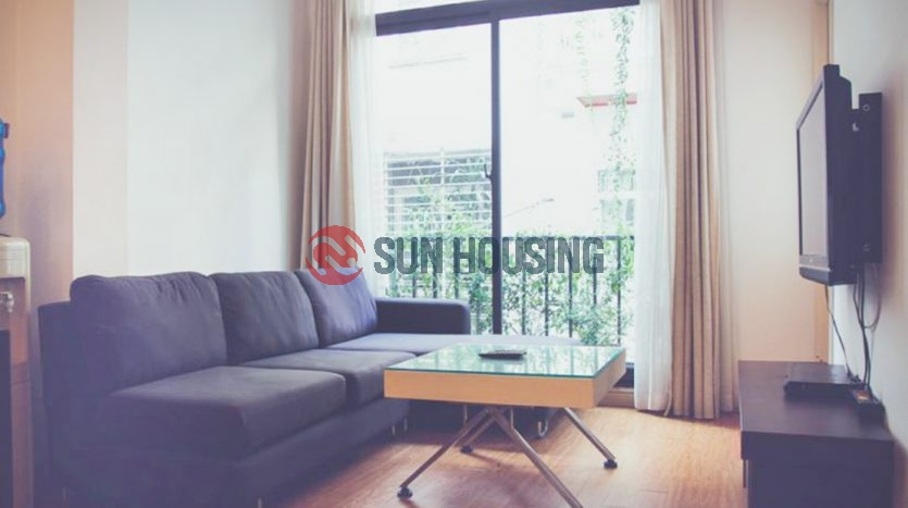 Nice serviced apartment 2 bedrooms is quite a space, has good natural light in Kim Ma street (3)