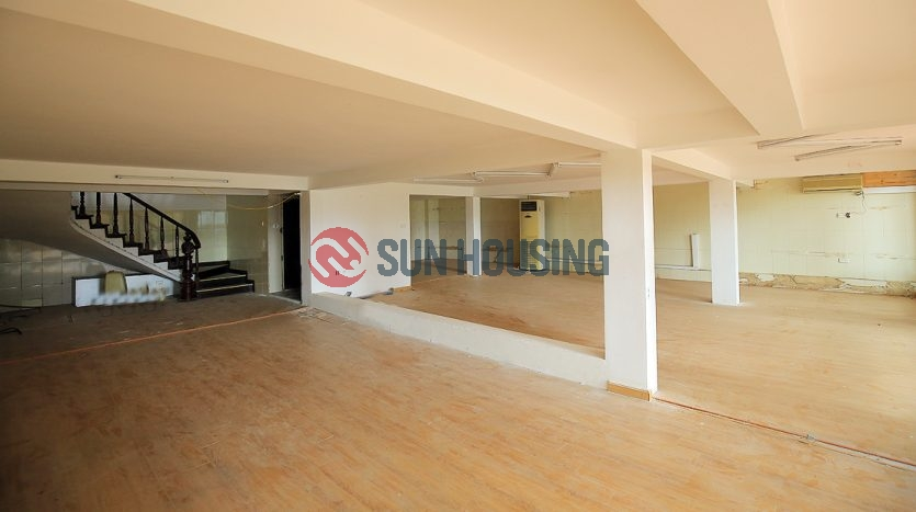 A spacious house in Tay Ho, suitable for a restaurant/company office.