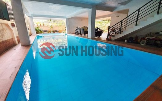 Larger garden and swimming pool villa 4 bedrooms in Xuan Dieu for rent