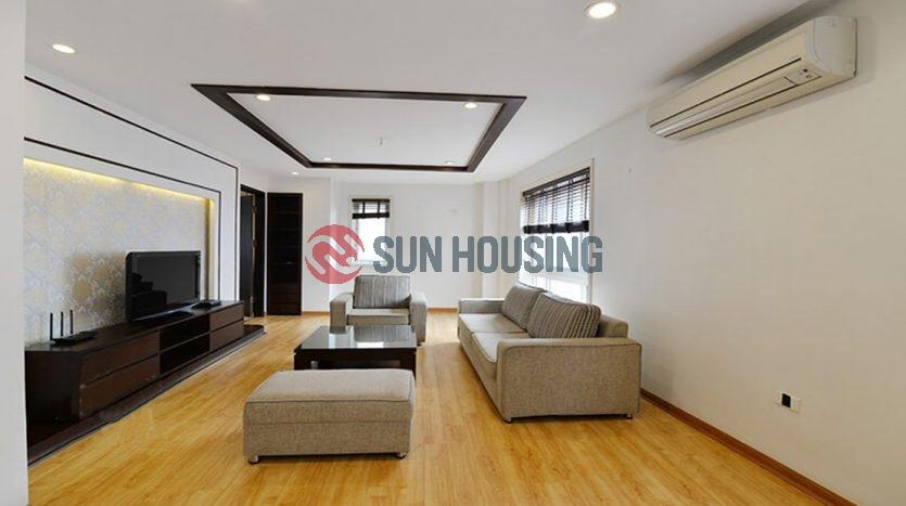 Spacious 3 bedroom apartment in Ba Mau Lake. 120 sqm. Dong Da