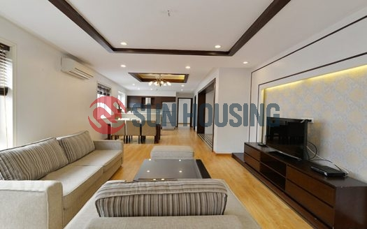 Spacious 3 bedroom apartment in Ba Mau Lake. 120 sqm. Dong Da