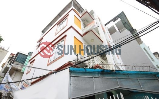An ideal shared house in Tay Ho for rent. 124 Au Co. Near local market.
