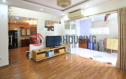 2 bedrooms beautiful house in Au Co street to rent