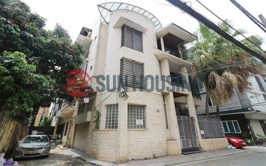 Nice corner villa 4 bedrooms in Ton That Thiep for rent