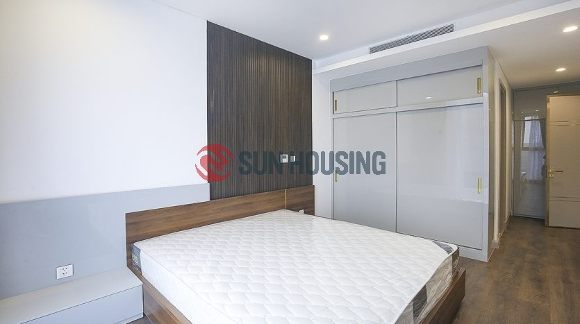 Lake view 2 bedroom apartment for rent in Sun Grand City Thuy Khue, high floor