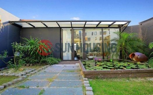 Stair-case top floor but amazing 1 bedroom apartment /w marvelous garden.
