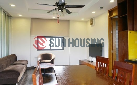 Ba Dinh 1 bedroom apartment for rent. Main road. Close to Old Quarter.