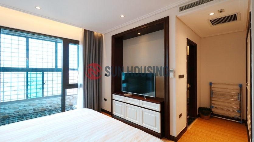 Nice view, modern furniture 1 bedroom serviced apartment for rent in Nguyen Truong To street.